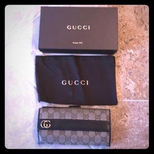 Gucci brown canvas wallet
